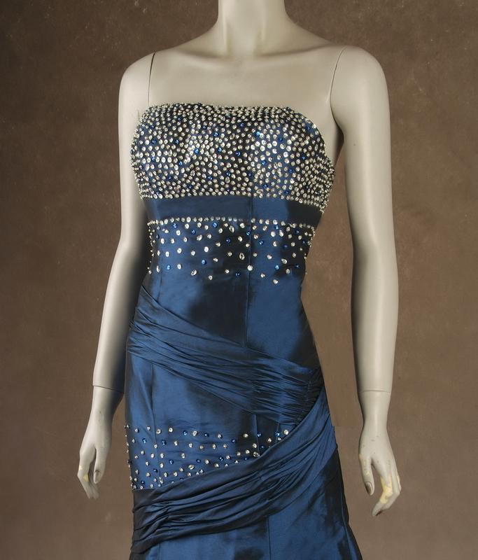 plesové šaty » skladem plesové » do 5000Kč · plesové šaty » skladem plesové  » modrá dbf2a1fe4e